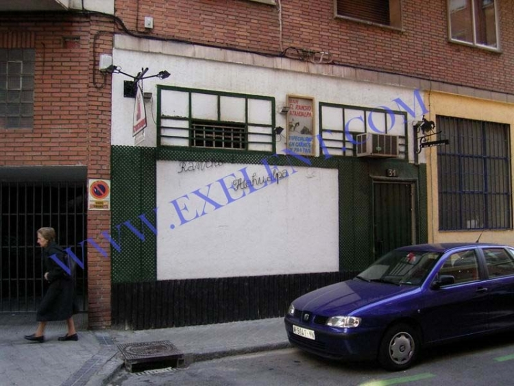 2006 Madrid, Local Comercial Sáncho Dávila 32.