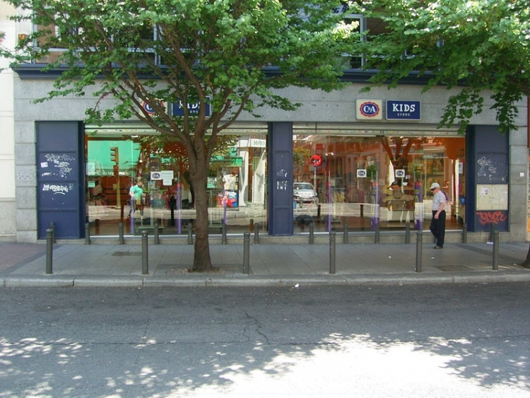 2005 Madrid, Local Comercial Monte Igueldo 23.