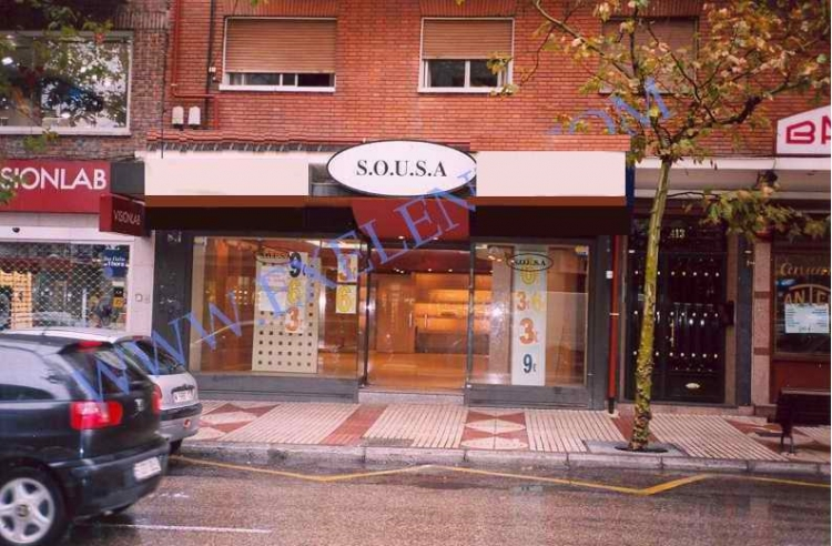 2003 Madrid, Local Comercial Alcalá 413.