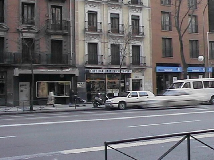 2001 Madrid, Local Comercial Alcalá 132.