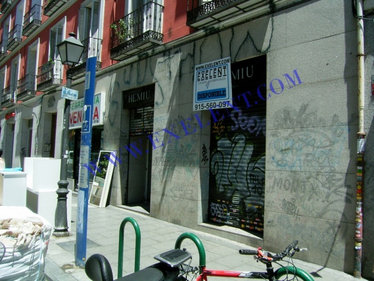 1999 Madrid, Local Comercial Fuencarral 90.