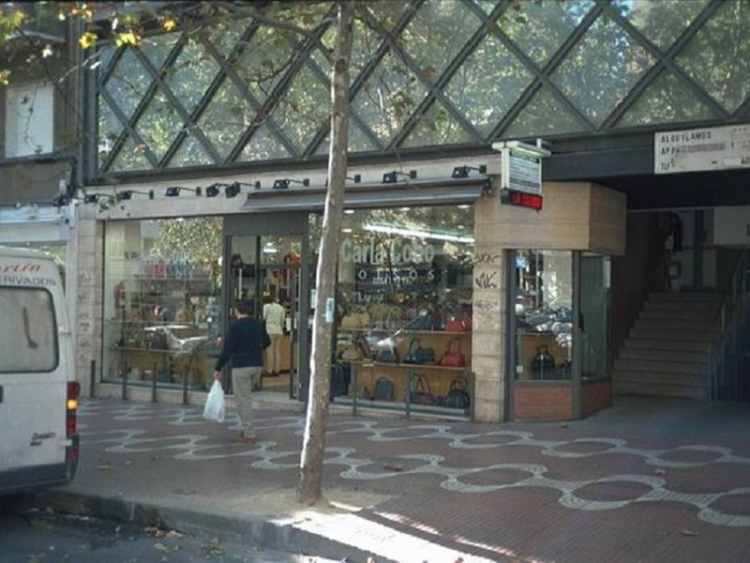 1998 Madrid, Local Comercial Bravo Murillo 147.