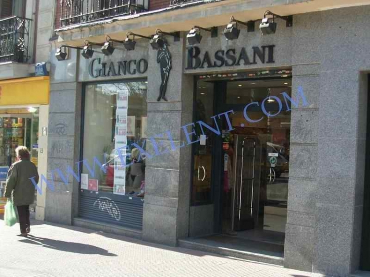 1996 Madrid, Local Comercial Fuencarral 111.
