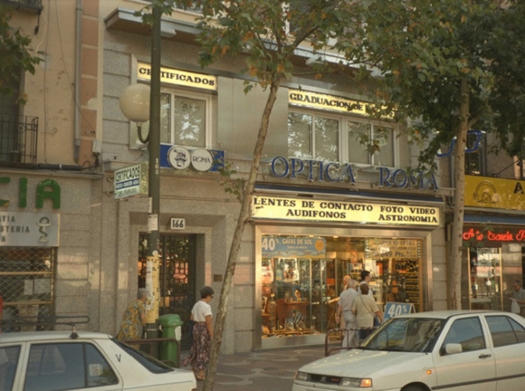 1994 Madrid, Local Comercial Bravo Murillo 166.
